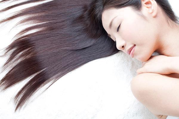 【簡単】忙しい朝に簡単なヘアケアで寝癖を直す5つの方法!